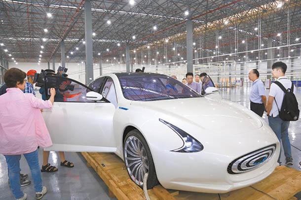 赣州昶洧新能源汽车有限公司纯电动样车发布