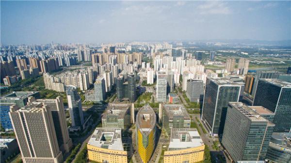 准入門檻放寬 外商信心足投資增<br/>Foreign businessmen increase their investments with c...