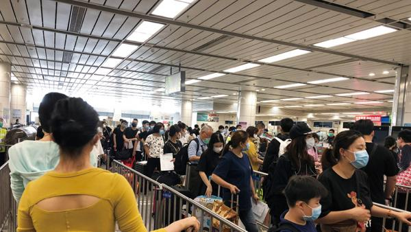 香港的出路在於恢復與內地的正常通關<br/>The way out for Hong Kong lies in resuming border cro...